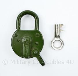 Defensie vintage hangslot met sleutel  Abus - 7 x 5 cm - origineel