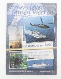 """Tijdschrift KM Koninklijke Marine """"samen leven, samen werken"""" - origineel"""
