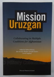 Boek Mission Uruzgan Collaborating in multiple coalitions for Afghanistan - afmeting 23 x 15,5 cm - origineel