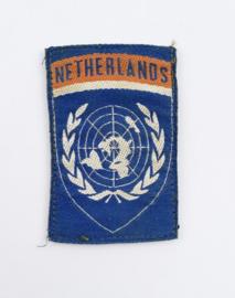 Defensie eenheid embleem VN  UN United Nations - met klittenband - 7,5 x 5 cm - origineel
