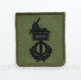 KL Landmacht vaardigheids borst embleem Groepswaardering/Individuele Bekwaamheid - afmeting 4,5 x 5 cm - origineel
