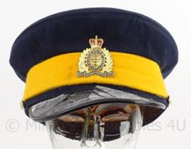 Canadese RCMP Royal Canadian Mounted Police  - klep is zwaar beschadigd - maat 58 - Zeldzaam - origineel