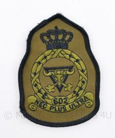 KLU Luchtmacht 602 Squadron embleem - NEC Plus Ultra - met klittenband - 11 x 8 cm