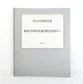 Handboek voor koudweeropleiding Korps Mariniers - 27 x 22,5 x 2,5 cm - origineel