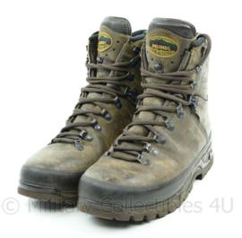 Meindl schoenen bruin - maat 43 - zolen als nieuw, bovenkant lichte sporen - origineel