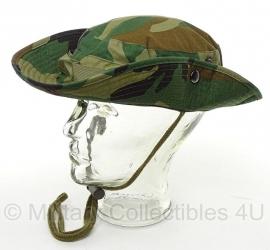 Boonie hat / Bush hat - Luxe model Ripstop MET drukknopen - Woodland camo - nieuw gemaakt