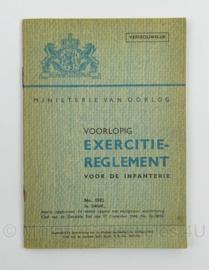 MVO Chef der Generalen Staf  Voorschrift nr. 1592 uit 1946 Exercitie Reglement  - afmeting 12 x 17 cm - origineel