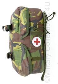 Zeldzame Nederlandse leger geneeskundige dienst rugzak zijtas met complete volledige  en houdbare inhoud - alles op foto inbegrepen ! - origineel