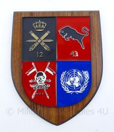 Wandbord 43e gemechaniseerde brigade 12e luchtdoelartillerie Death or Glory VN UN -18,5x15x1,5cm - origineel