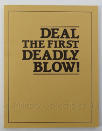 Boek Deal the First Deadly Blow by Paladin Press - afmeting 28 x 22 cm - origineel