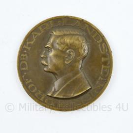 Het Nederlandse Roode Kruis bloedtransfusiedienst coin - diameter  5 cm - origineel
