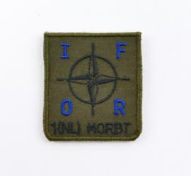 KL Nederlandse leger IFOR 1 NL MORBT Mortieropsporingsradarbatterij borstembleem - met klittenband - 5 x 5 cm - origineel