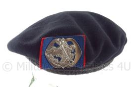 KL baret Kavalleri met insigne  - oud model jaren 50/60 - maat 56 - origineel