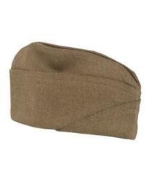 Aanbrengen van 1 insigne op een cap