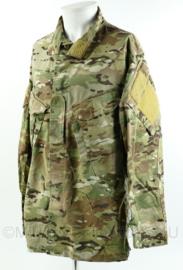 Britse SAS kazernetenue Multicam Army Custom field shirt - merk Crye Precision - MTP ranglus op de borst - SAS eenheden - maat Large-Regular - origineel