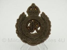 Royal Engineers cap badge  - plastic 1943 uitvoering - zonder pinnen - origineel WO2 Brits