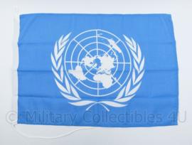 UN VN Verenigde Naties voertuig vlag Nederland - 50 x 72 cm - NIEUW - origineel