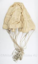 Mini afrem parachute ATZ 647 1955 - 42 x 95 cm - origineel