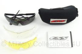KL Landmacht ESS bril set - helder/ geel glas nieuw en zwarte glas gebruikt - afmeting verpakking 17 x 7 cm - origineel