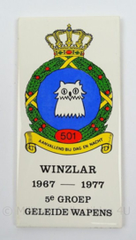 KLu Luchtmacht wandbord WINZLAR 1967/1977 5e GGW Groep Geleide Wapens - afmeting 20 x 10 cm - origineel