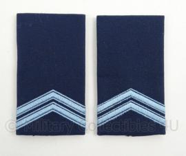KLu Luchtmacht epauletten rang Korporaal - nieuw model! - per paar - afmeting 5 x 9,5 cm -  origineel