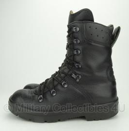 Kl gevechts laars - Legerkisten / schoenen  - maat 250 B = 39 breed - gebruikt- origineel