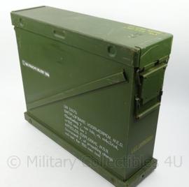 KL Nederlandse leger kist voor artillerie ladingen Kardoezenkist 155mm kardoes - extra sterke kist - 62 x 18 x 52,5 cm - origineel
