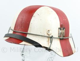 Replica Wo2 Duitse M40 helm Heer Sanitater helm met double decal - mooi verouderd