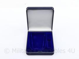 Defensie leeg medaille doosje - voor een medaille van 7 x 5 cm & 3 x 1,5 cm - origineel
