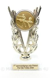 Korps Mariniers 1e aanmoedigingsprijs Pistool Piet Dijk Trofee 2008 - 17 x 7,5 x 5,5 cm  - origineel