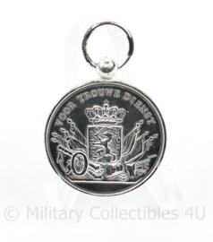 Defensie Trouwe dienst medaille in zilver - huidig model - 4 x 2,5 cm - origineel