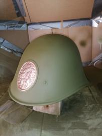 Restaureratie van een Nederlandse helm mbv onze spuitbussen