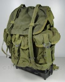 US rugzak Alice Pack Field Pack LC-1 Medium - Groen - 25 liter - met frame - 55 x 45 x 35 cm. - origineel US Army