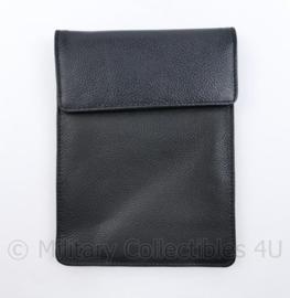 Zwarte koppeltas spatwaterdicht - NIEUW in verpakking -  13,5 x 18 x 3 cm. - origineel