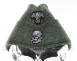 Duits replica Groen Waffen SS manschappen schuitje MET insignes - maat 55, 56 of 57 cm