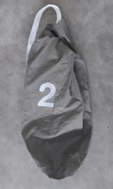 Defensie KL Plunjezak met witte draagriemen en nummer 2 - 90 x 70 cm - origineel