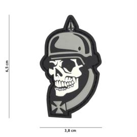 Embleem 3D PVC met klittenband - WW1 Skull - grijs - 6,5 x 3,8 cm.