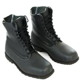 Zweedse zwarte leren schoenen  - rubberen zool en rubberen onderkant, lederen bovenkant - meerdere maten  - origineel