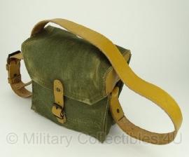 Franse leger tas met leren draagriem - origineel