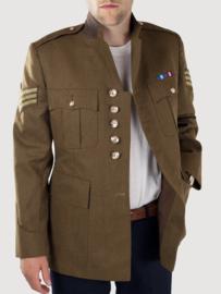 Britse uniform jas mosterd bruin (WO2 kleur) met insignes  -  origineel
