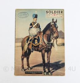 The British Army Magazine Soldier Vol 8 No 6 August 1952 -  Afkomstig uit de Nederlandse MVO bibliotheek - 30 x 22 cm - origineel