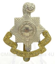 WO2 Britse baret of pet insigne The Royal Sussex Regiment - afmeting 4 x 5 cm - origineel