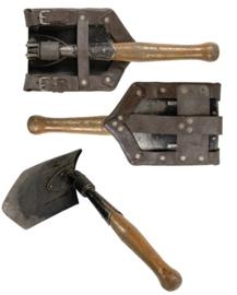 Metalen robuuste klapschep met lederen koppeltas - origineel