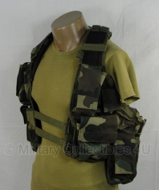 Tactical vest 12 pockets - woodland