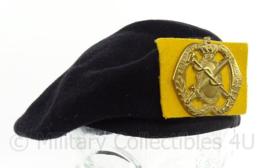 KL Landmacht Noorloos baret met insigne Geneeskundige Eenheden - nieuw model baret - maat 56 - origineel