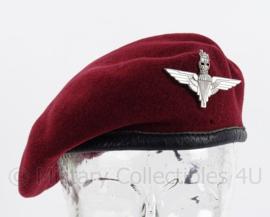 Britse Parachute Regiment Airborne baret met insigne - 56 cm hoofdomtrek - replica