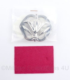 Defensie baret insigne Militaire Administratie - nieuw in de verpakking - 7 x 5 cm - origineel