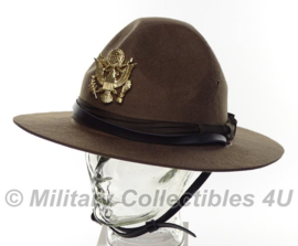 US ww2 Officer campaign hat met metalen insigne