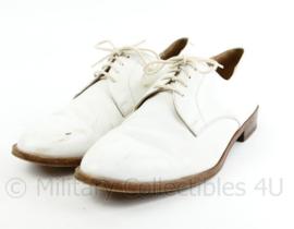 Koninklijke Marine witte tropen schoenen Avang Hand Sewn met lederen zool - maat 10,5 = 45 - origineel