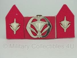KL baret speld en kraagspiegel set - Militaire administratie  - origineel